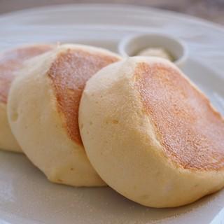 リコッタスフレパンケーキ
