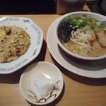 ラーメン小金太 - セット(SSラーメン、Sチャーハン)820円