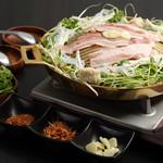 七 - タイ式焼肉ムーガタ