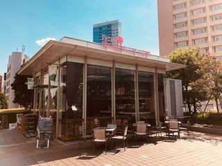 プティデリリウム タップ カフェ 新宿サザンテラス店 - 天気の良い日はテラスも!