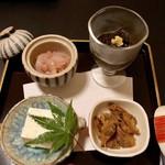 四季酒菜庵 魚徳 - 料理写真:◆先付け…イカの雲丹合 ・もずく酢 ・アサリ煮                  チーズ豆腐