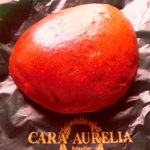 カーラ・アウレリア - 焦がし砂糖のクリームパン