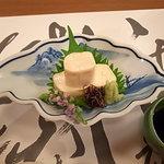 9164608 - 湯葉豆腐は染付の器に格調高く