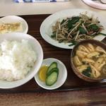 大八 - レバニライタメ定食(900円)