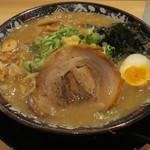 熟成味噌らぁめん 二代目金子 - 料理写真:金子の特製赤味噌らぁめん790円