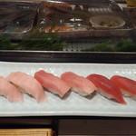 旭鮨総本店 - 鮪祭り×2で1,000円全景