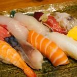 魚寿司 - お任せでお願いした10カン盛り