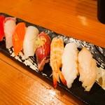魚寿司 - 握り8カン盛り
