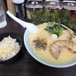 91652339 - ラーメン醤油&生姜ライス(食べ放題無料)