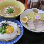 萬福軒 - 桃つけ麺&萬福焼豚たまご飯