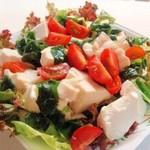 豆腐のさっぱりヘルシーサラダ