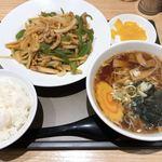 よ志乃 - チンジャオロース定食