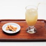 すや亀 - 信州産リンゴ果汁100%のりんごジュースです。
