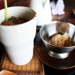 ナイヤビンギ - アイスティーと玄米のアイス
