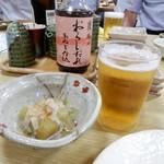 福岡鷹勝 - 付け出しは「焼きナス」。乾杯です