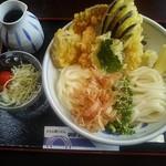 91675128 - 「えび野菜天ぶっかけ(冷)」1250円。