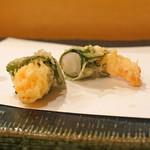 秋田 てんぷら みかわ - 車海老の紫蘇巻