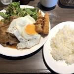 肉バル style 2 - 生姜焼き(950円)+目玉焼き(100円)+エビフライ(100円)