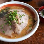 麺道場 - 料理写真:味噌チャーシュー大盛り、ミニ明太子ご飯は掛け値無くミニでした。(笑)