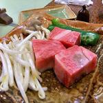 宝山荘別館 - 料理写真:夕食(飛騨牛の陶板焼き)