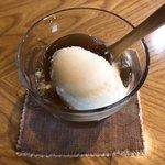 蔵元ごはん&カフェ 酒蔵 櫂 - 酒のアイスほうじ茶ゼリーのせ