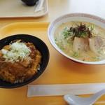 AZスーパーセンターはやと店 レストラン - ミニカツ丼+A・Zラーメン