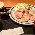 91693516 - 黒豚ロース生姜焼定食