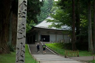 松栄堂 弁慶園 - 金色堂はこの堂の中(撮影禁止です)