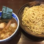 麺屋はやしまる - 料理写真:ミックスわんたんつけ麺 麺2玉 ¥1040