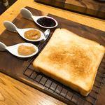 91712111 - 極美ナチュラル食パン280円+3種ジャム200円
