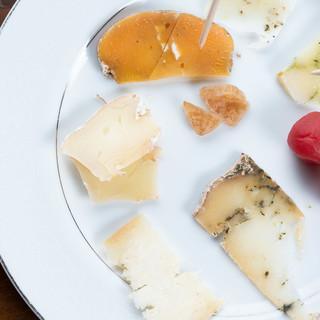 ◇沖縄県産◇本格派のナチュラルチーズは、お酒との相性も◎