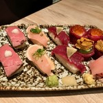 91716387 - アイデアを盛り込んだ肉×寿司