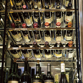 三笠会館専属ソムリエが選んだ厳選ワインの数々