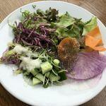 ボジュン トミガヤ - サラダ
