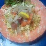 岩山海 - 料理写真:海鮮サラダ 600円