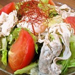 岩中豚の冷しゃぶサラダ