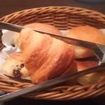 91736878 - ランチのパン(食べ放題)