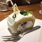 ミヤマサ - ブルーベリーのロールケーキ