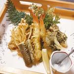 魚菜 日本橋亭 - 海老と茸の天ぷら盛合せ