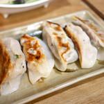 稲香居 - 焼き餃子 ¥280