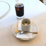 ROCK BAY RESTAURANT - アイスコーヒーとプリン