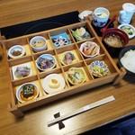 満兆 - 「彩々弁当 (1800円)」