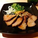sobahausukonjikihototogisu - 炙り煮豚盛り