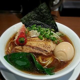 山麺 - 料理写真:【魚だしの中華そば + 煮玉子】¥750 + ¥100