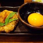 やきとりだいちゃん - つくねと卵の黄身.JPG