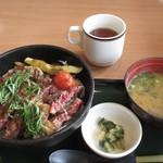 ココス - リブステーキ丼