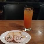 イタリアン酒房 ときわ - お通し(笑)&グレープフルーツジュース