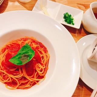 3度楽しめる!「日本一おいしいトマトソース」は必食ですよ!