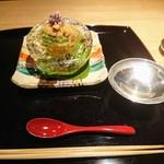 91763395 - まず一献は福井県の白龍、先付けは氷の器で