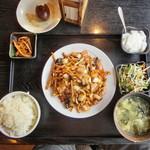 Ippinhinabe - 豚肉細切り香り炒め全景